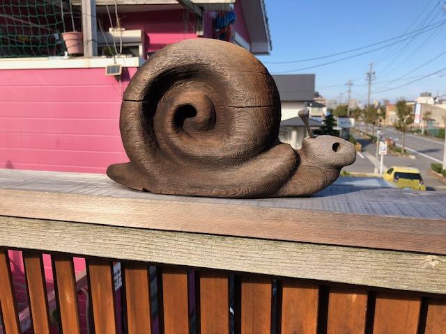 木彫りのカタツムリ
